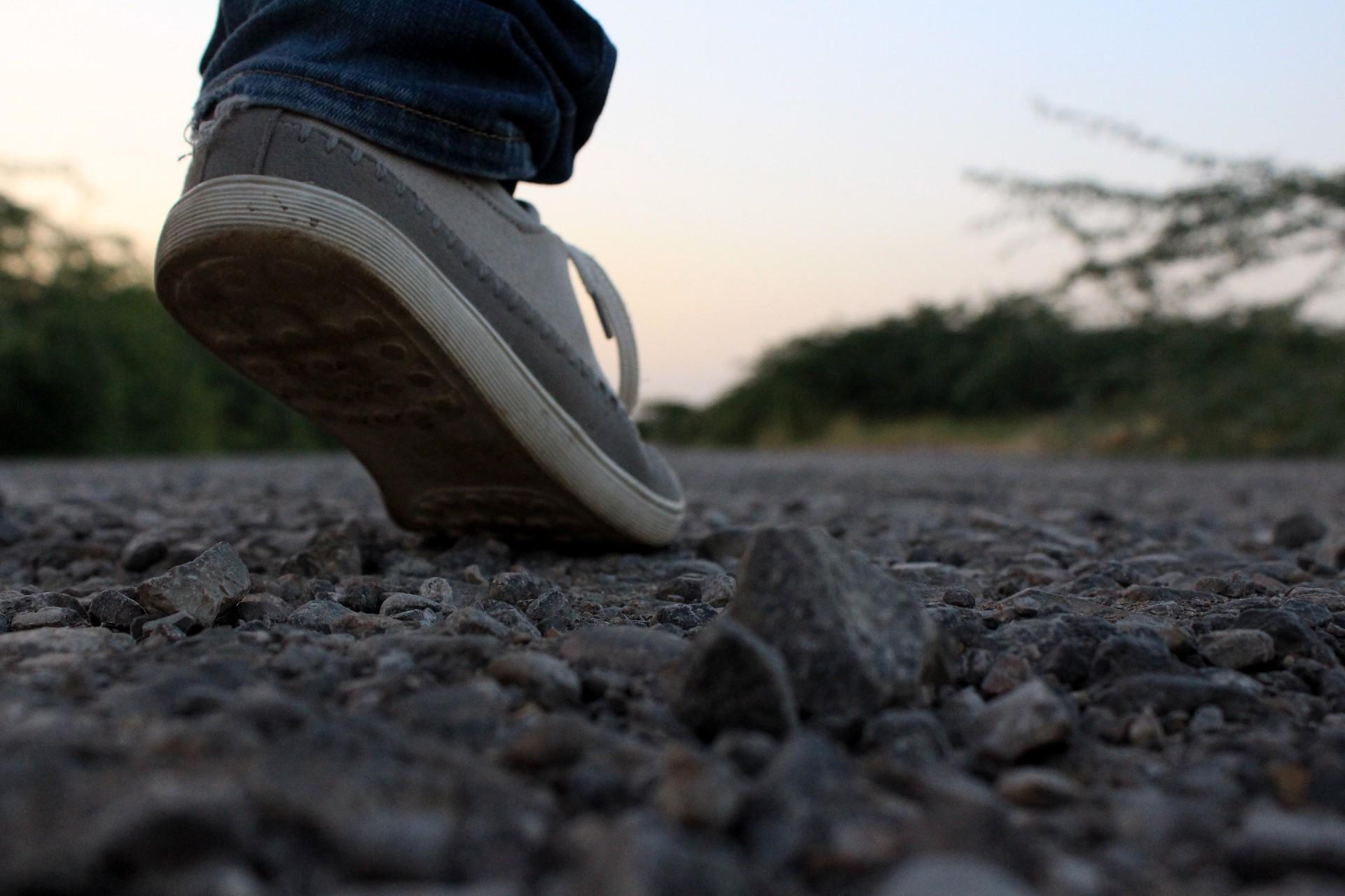 人生のモチベーションを上げる 歩き回る